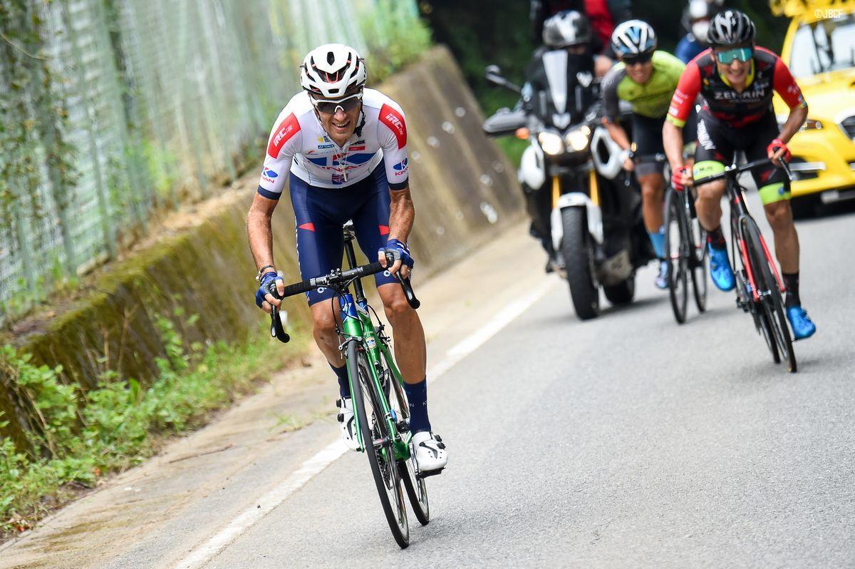 最終周回残り2km、トマ・ルバ(KINAN Cycling Team)が勝負を決めるアタック