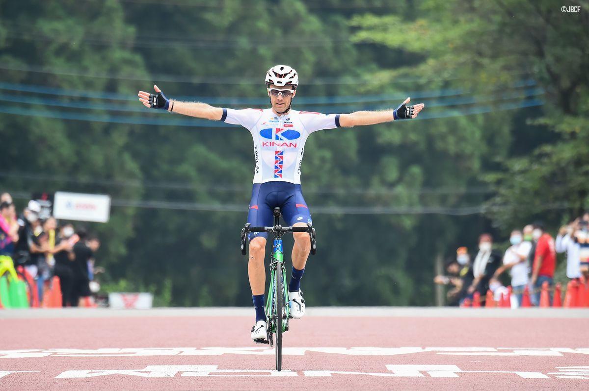 独走で逃げ切ったトマ・ルバ(KINAN Cycling Team)が優勝