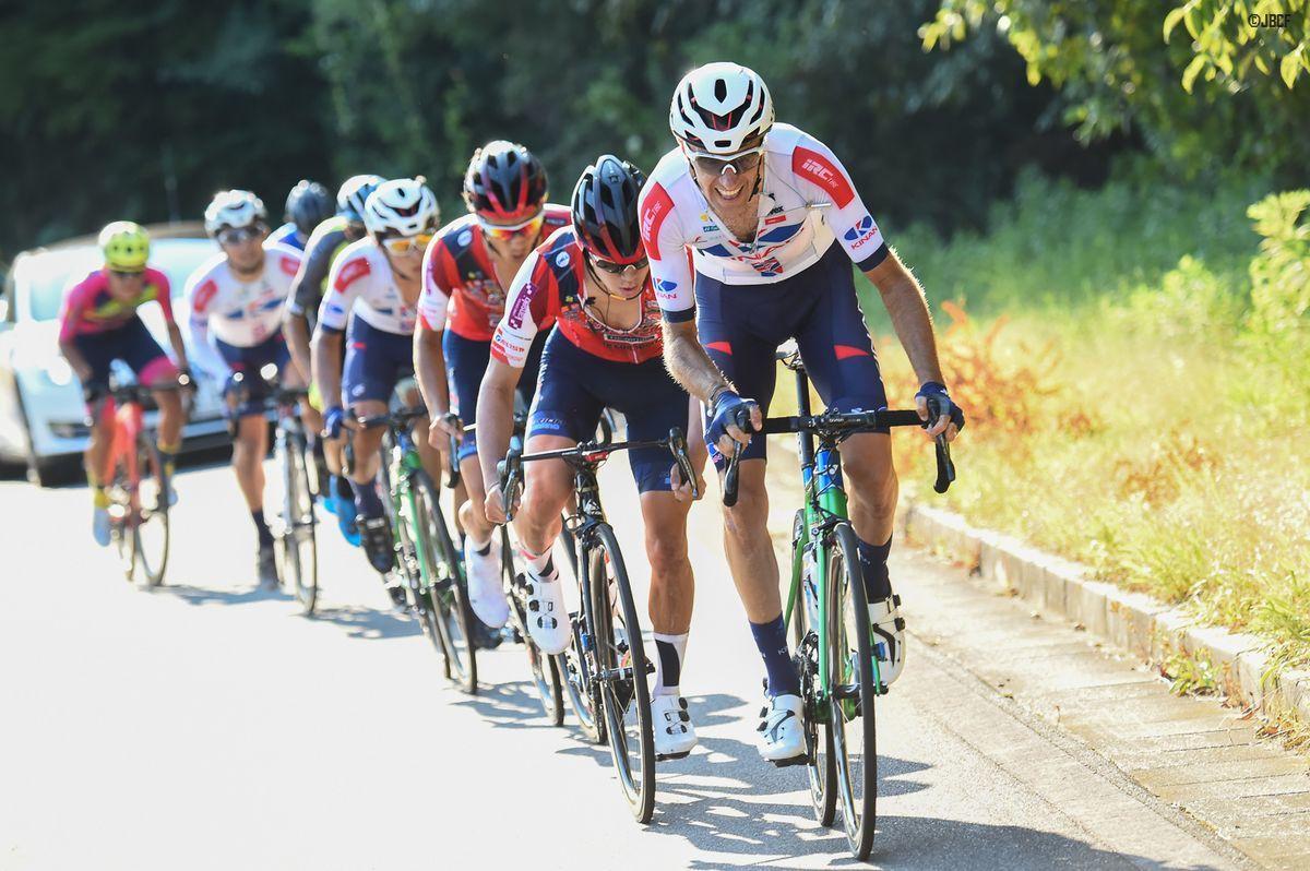 最終周回、トマ・ルバ(KINAN Cycling Team)が登りで加速