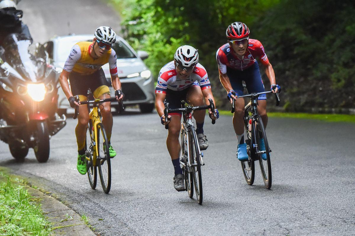 最後に残った3名 写真左から、織田聖(弱虫ペダルサイクリングチーム)、山本元喜(KINAN Cycling Team)、増田成幸(宇都宮ブリッツェン)